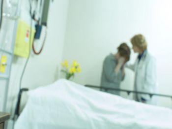 Trong một nghiên cứu năm 2001, 4 trong số 63 bệnh nhân ngừng tim còn sống sót được phát hiện là đã có trải nghiệm cận tử trong khi cho thấy ít nhất 2 trong số 3 tiêu chuẩn của cái chết lâm sàng. (Photos.com)